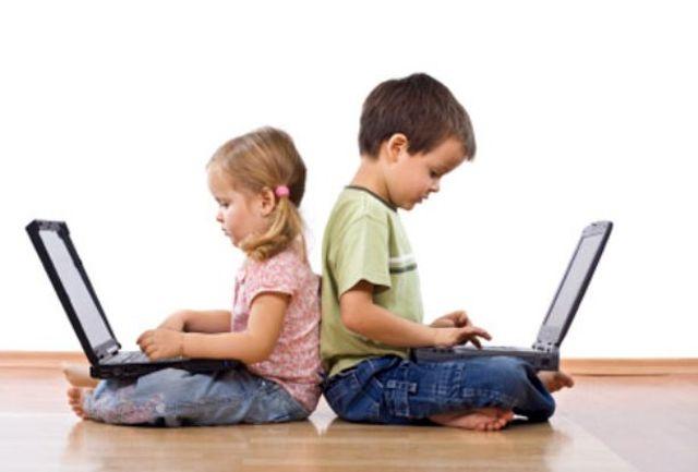 مضرات موبایل و تبلت برای کودکان را جدی بگیرید+ فیلم