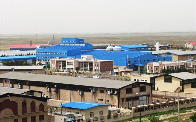 ۴۰ درصد صنایع اصفهان هنوز از آب به جای پساب استفاده میکنند