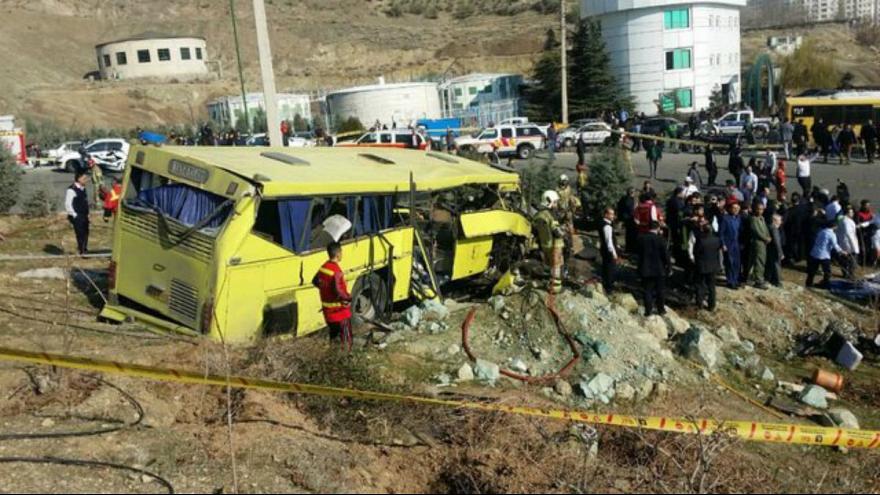 آمار جانباختگان واژگونی اتوبوس دانشگاه آزاد به 10 نفر رسید