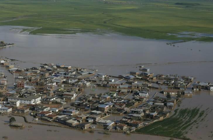 هنوز 10 تا 15 درصد شهر آق قلا آبگرفتگی دارد
