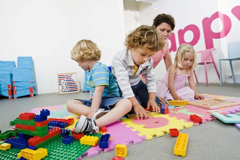 اثرات بازی درمانی بر کودکان