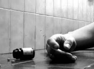 در کل کشور ۲۱۲ نفر زیر ۱۷ سال اقدام به خودکشی کردند/ زنان بیشتر خودکشی می کنند