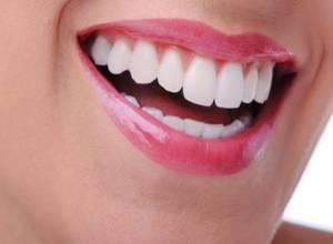 درمان دهان و لثه با 18 مواد خوراکی