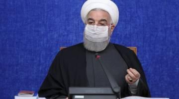 روحانی: ما نمیتوانیم منتظر واکسن تولید داخل در تابستان باشیم