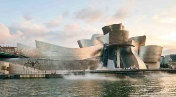 موزه گوگنهایم بیلبائو در اسپانیا شاهکار معماری دوران ما