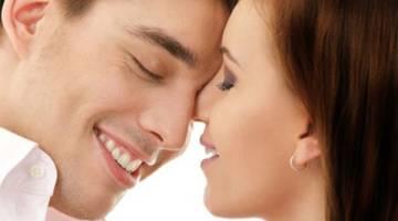 10 دلیل که باید بیشتر بوسید