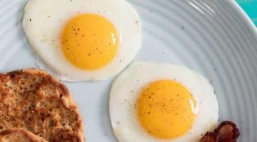 تخم مرغ و کلسترول | چه افرادی نباید در مصرف تخم مرغ زیاده روی کنند؟ | زیاده روی در مصرف تخم مرغ و بیماران دیابتی و قلبی