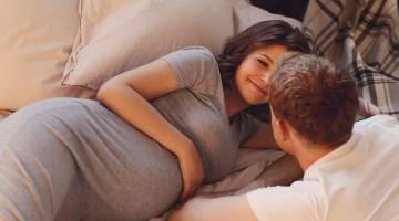 پوزیشن های دوران بارداری | با این پوزیشن های جنسی دیگر از رابطه در دوران بارداری نترسید!