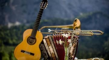 موسیقی فولک   با سبک موسیقی فولک بیشتر آشنا شوید!
