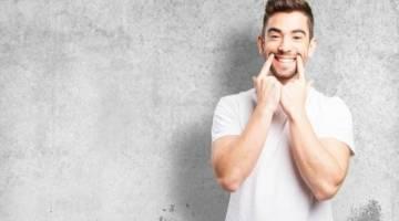 زبان بدن | جادوی لبخند ها و خنده ها
