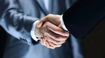 نحوه برقراری ارتباط از طریق دست دادن