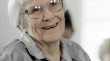 خانم هارپر لی از دانشجوی وکالت تا شهرت در نویسندگی   نویسنده کتاب معروف کشتن مرغ مینا